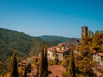 En lantlig by i toscana, Italien Arkivfoton