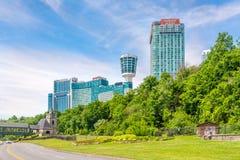 En las calles de la ciudad de Niagara Falls - Canadá fotos de archivo