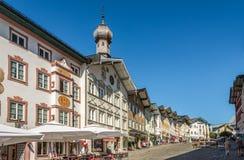 En las calles de mún Tolz - Alemania Fotos de archivo