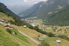 En las montan@as suizas Foto de archivo libre de regalías