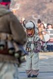 En ledsen ung deltagare i karnevalet royaltyfria foton