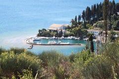 En liten marina i Korfu (Grekland) Fotografering för Bildbyråer