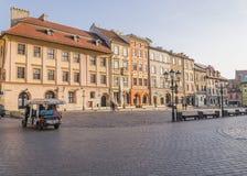 En liten marknad i Krakow Arkivbild