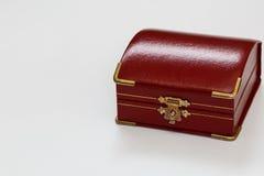 En liten röd ask Fotografering för Bildbyråer