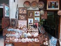 En liten souvenir shoppar royaltyfria bilder