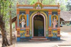 En liten tempel i Indien Arkivbilder