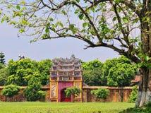 En liten tempel på Hue Citadel i ton, Vietnam Royaltyfria Foton