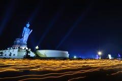 En ljus vinkande ritual Royaltyfri Fotografi