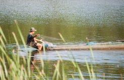 En lokal fiskare i Thailand Royaltyfria Bilder