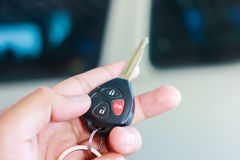 En los sistemas de alarma para coches teledirigidos Imagenes de archivo