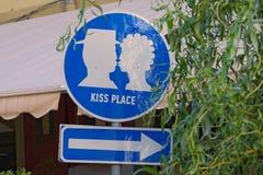 """en Lviv, Ukraina för tecken""""Kissplace†Arkivfoton"""