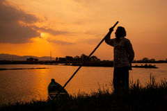 En magisk solnedgång i Guayaquil arkivbilder