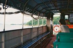 En man i ett fartyg Royaltyfria Bilder