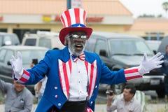 En man som kläs som Uncle Sam arkivbild