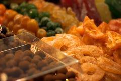 En matmarknad i Barcelona Royaltyfria Bilder