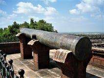 En medeltida Canon på det Upperkot fortet Junagadh Indien Fotografering för Bildbyråer
