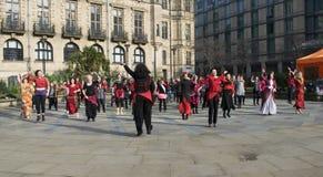 En miljard stigande pråliga folkhopdans i Sheffield Fotografering för Bildbyråer