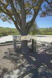 En minnesmärke till skådespelaren James Dean som dödas i en bilolycka nära genomskärningen av huvudvägar 46 och 41 i Kalifornien  Royaltyfri Foto