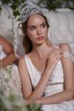 En modell som poserar under Claire Pettibone Four Seasons Collection, ställer ut Royaltyfria Bilder