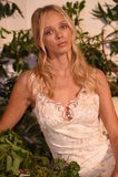 En modell som poserar under Claire Pettibone Four Seasons Collection, ställer ut Royaltyfri Bild