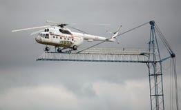En modellsimulator med en helikopter Mi-8 på området av den Noginsk räddningsaktionmitten av departementet av nöd- lägen av Russ Arkivfoto