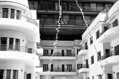 En modern design av härliga byggnader royaltyfria bilder