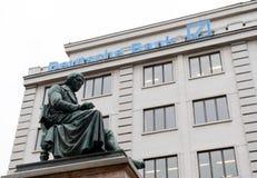 En monument till den bohemiska poeten och lingvisten Josef Jungmann arkivfoton