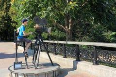 En monument till en televisionkamera i Kiev Arkivbild