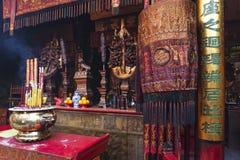 En-mor kinesisk tempel i det macau porslinet Royaltyfri Bild