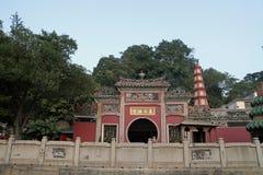 En-mor tempel Arkivbild
