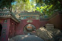 En-mor tempel i Macao, Kina royaltyfria foton