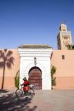 En moské i Marrakech, Marocko Arkivfoto