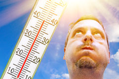 En mycket varm dag i sommar Arkivbild