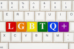 En närbild av ett tangentbord med markerad text LGBTQ+ Royaltyfri Fotografi