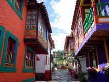 En nätt gata i Pueblito Boyacense Royaltyfri Bild