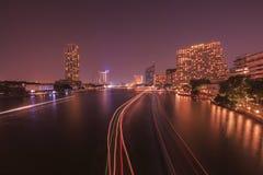 En natt i floden Royaltyfri Bild