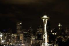 En natt sköt av i stadens centrum Seattle från Kerry Park Fotografering för Bildbyråer