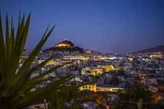 En nattsikt av Aten royaltyfria bilder