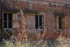 En nedskärningbyggnad Royaltyfri Bild