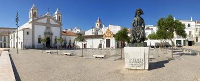 En offentlig fyrkant i Lagos, Algarve, Portugal kallade den Praca infanten Dom Henrique arkivbilder