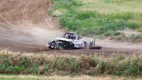 En olycka av den tävlings- bilen royaltyfri fotografi