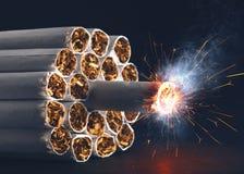 Cigaretten bombarderar Royaltyfri Foto