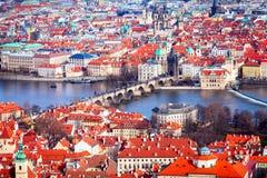 En panoramautsikt av Prague vid dagen, Tjeckien Royaltyfri Fotografi