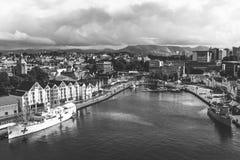 En panoramautsikt av staden av Stavanger i Norge royaltyfria foton