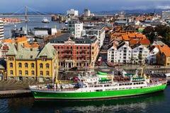 En panoramautsikt av staden av Stavanger i Norge arkivfoton