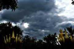 En parte nublado Fotos de archivo