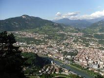 En partisk sikt av staden av Trento Trentino alt adige Arkivfoto