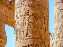 En pelare av den Karnak templet Arkivbild