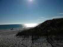 En perfekt eftermiddag på stranden arkivbilder