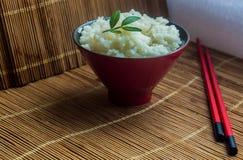 En plätera av rice arkivbild